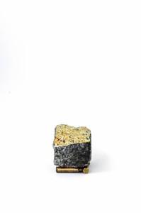 """""""Das goldene Kalb / 2.Moses 32"""",stebü, 2013, Fotografie der Installation 50cm x 70cm"""