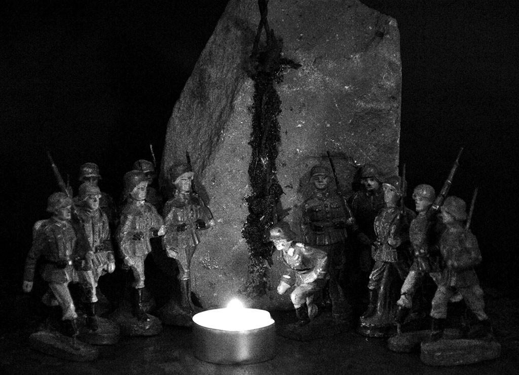 """""""Weihnachten und der Widersinn des Krieges """", stebü, 19.12.2015, Fotografie der Installation"""
